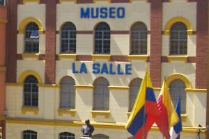 Fachada del museo en la sede de La Candelaria. Imagen tomada del portal oficial de la Universidad de La Salle.