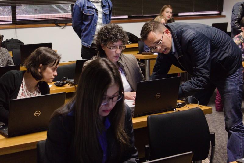 En la Sala RedEX del Centro de Educación Virtual los docentes podrán utilizar las herramientas presentadas en los microtalleres. Archivo particular.
