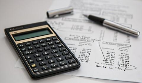"""BOOKTRAILER: """"Matemáticas financieras para las NIIF"""""""